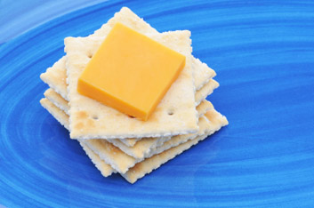 cheese and crackers_0